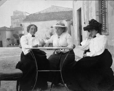 Claribel Cone, Gertrude Stein, and Etta Cone, Settignano/Fiesole, Italy, June 26, 1930. BMA Cone Archives